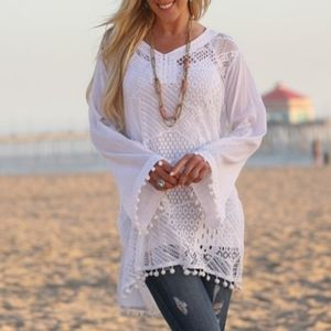 🏖Ananda's Collection White Lace Bell Sleeve Cover